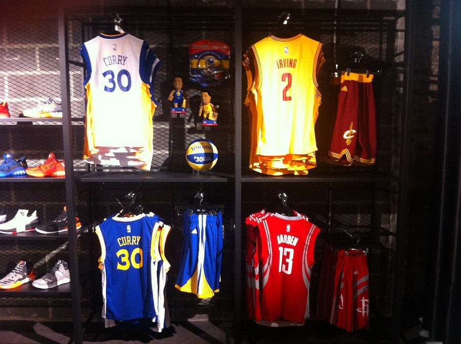 B shop Lille L'incroyable boutique de basketball qui fait