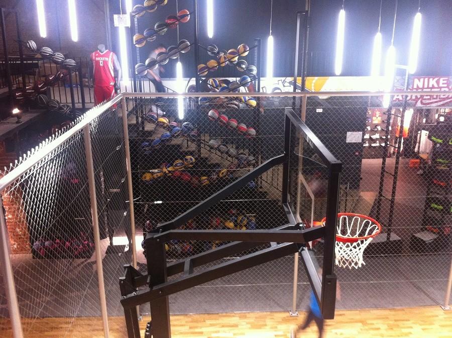 52a0190a13a B-shop Lille - L incroyable boutique de basketball qui fait jalouser le  monde entier