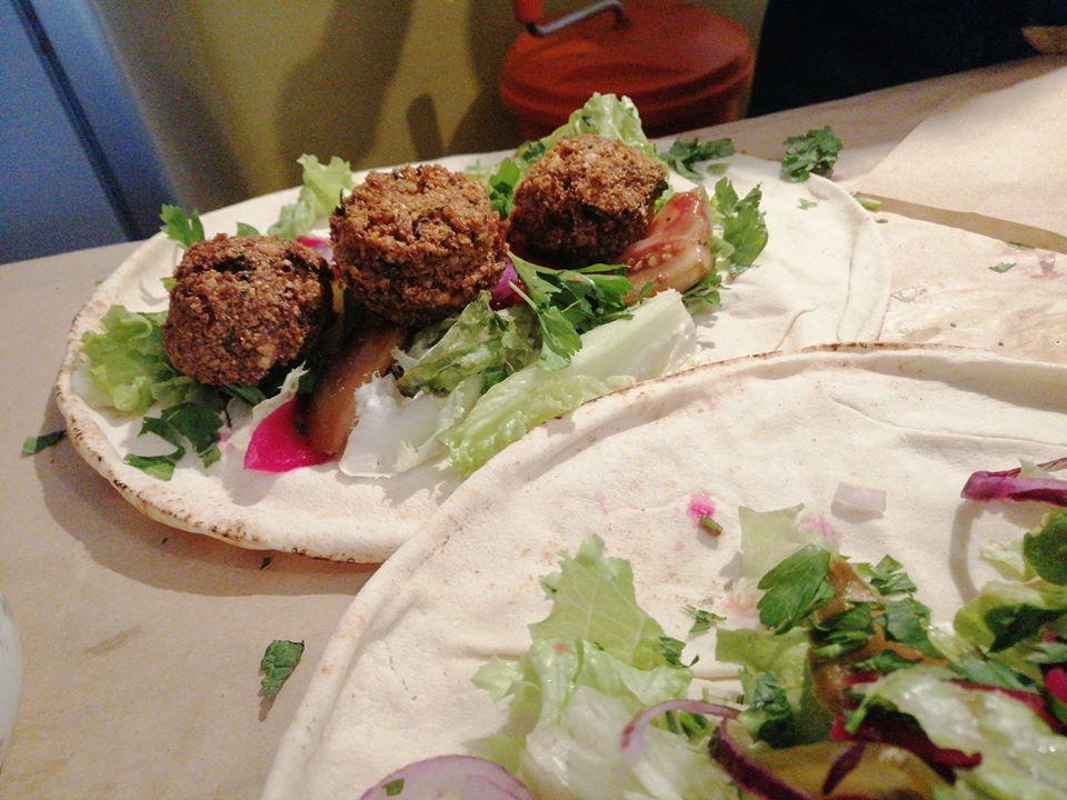 On a testé Oum Falafel – Le falafel, un peu , beaucoup, à la folie !