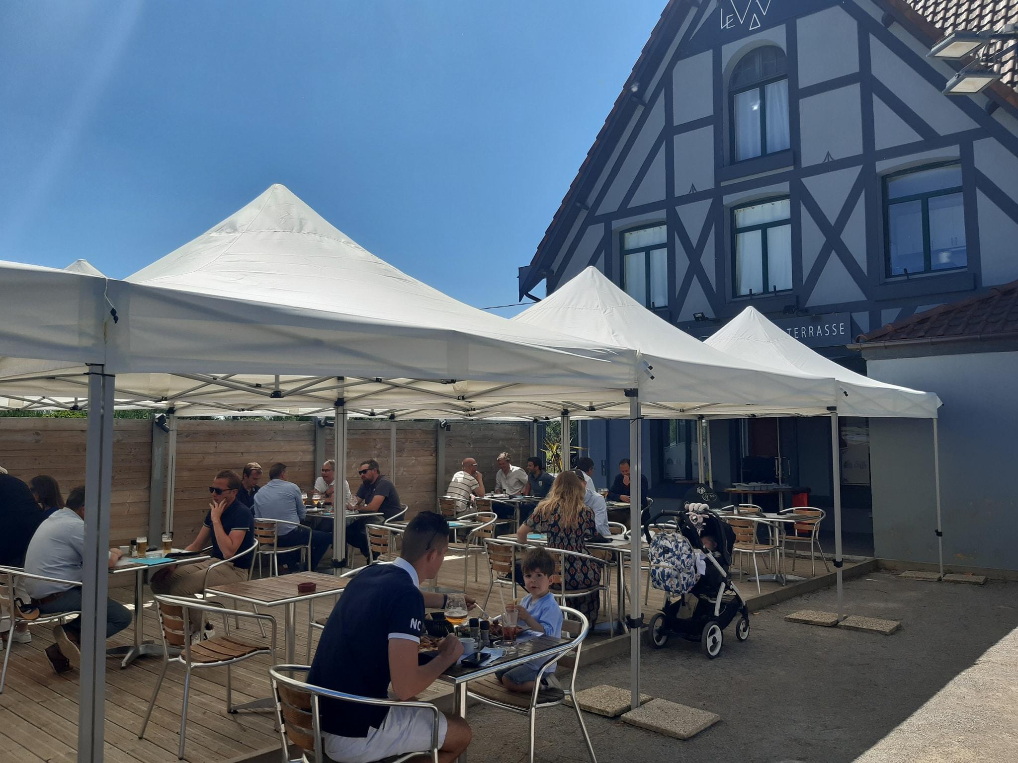 Le W – Restaurant, bar et terrasse à Wambrechies